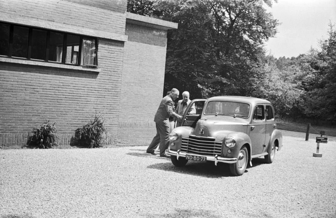 Bezoek Henry van de Velde aan Otterlo, 1953