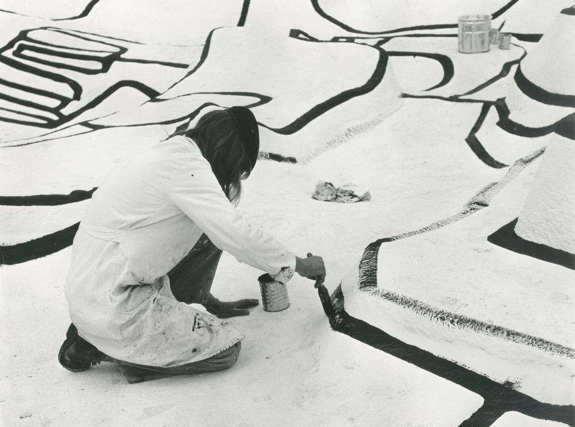 The construction of Jardin d'émail by Jean Dubuffet, 1974