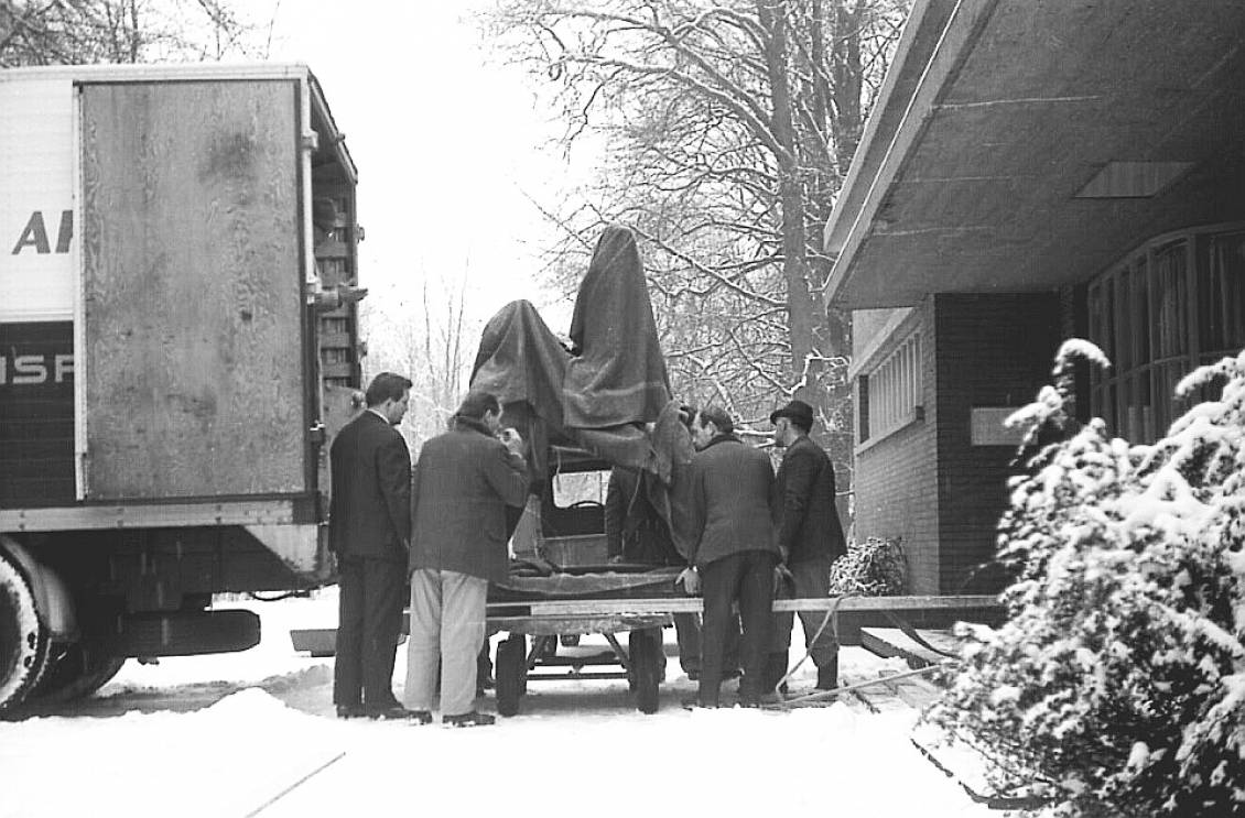 Moving the collection, 1970-71