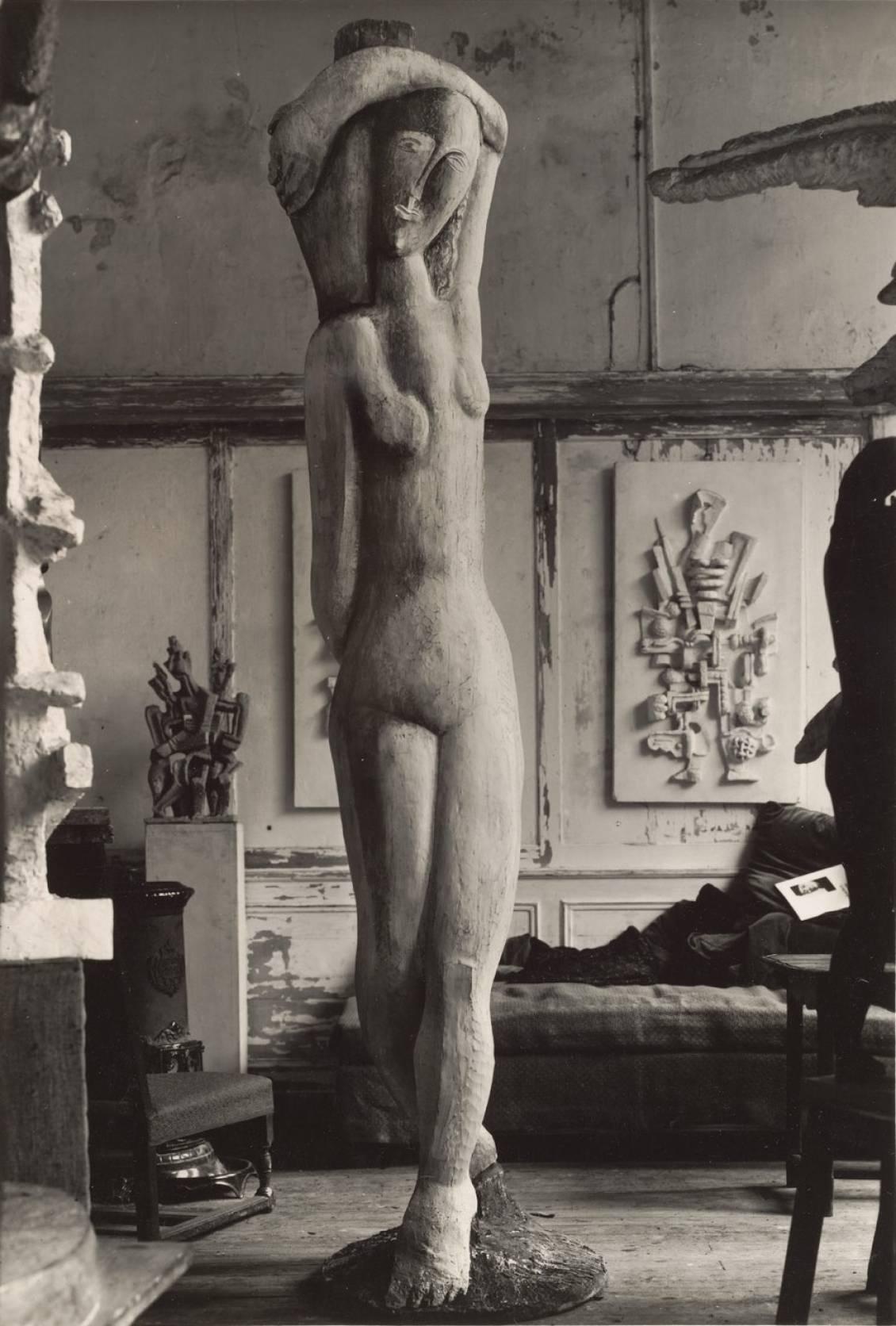 Rebecca (1927) in Ossip Zadkine's studio