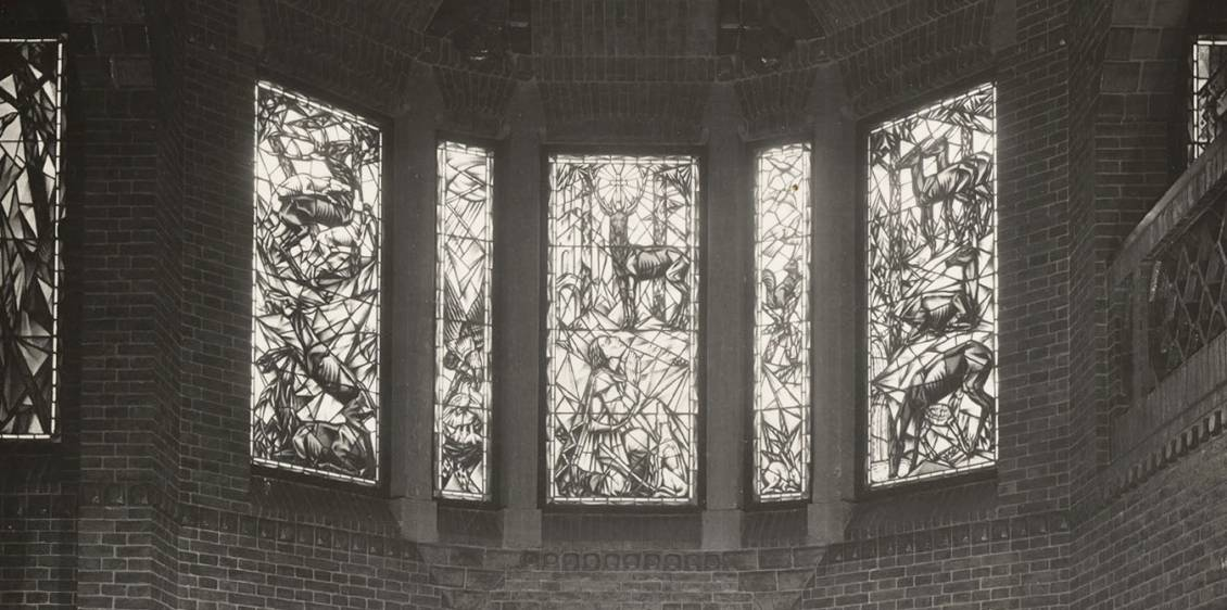 Arthur Henning, Stained-glass window in the entrance hall of Saint Hubertus, 1918