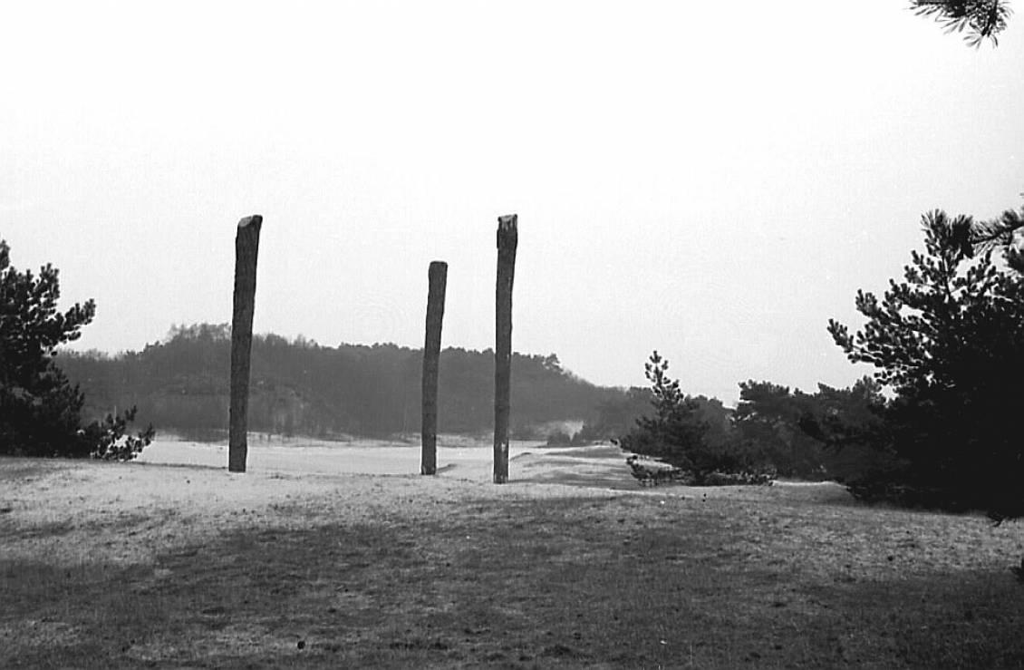 Voorbereiden installatie, Three upright moties, Henry Moore, 1965