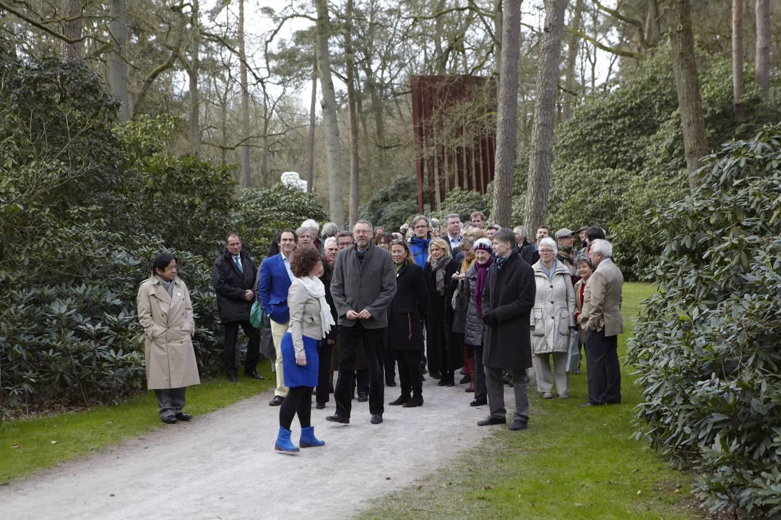 Evert van Straaten wordt verrast door het personeel, 31 maart 2012