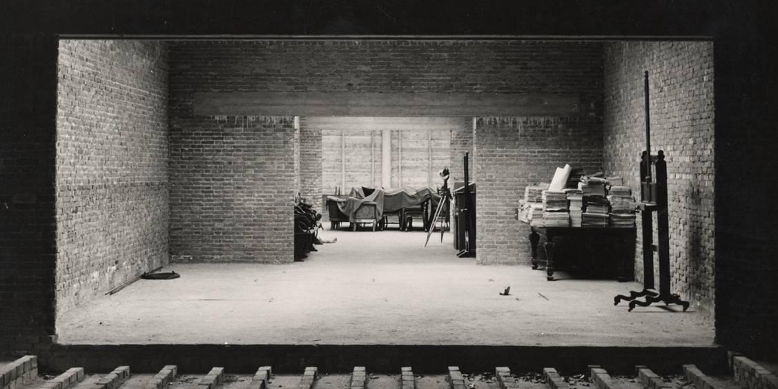 De beeldenzaal in aanbouw, 1952
