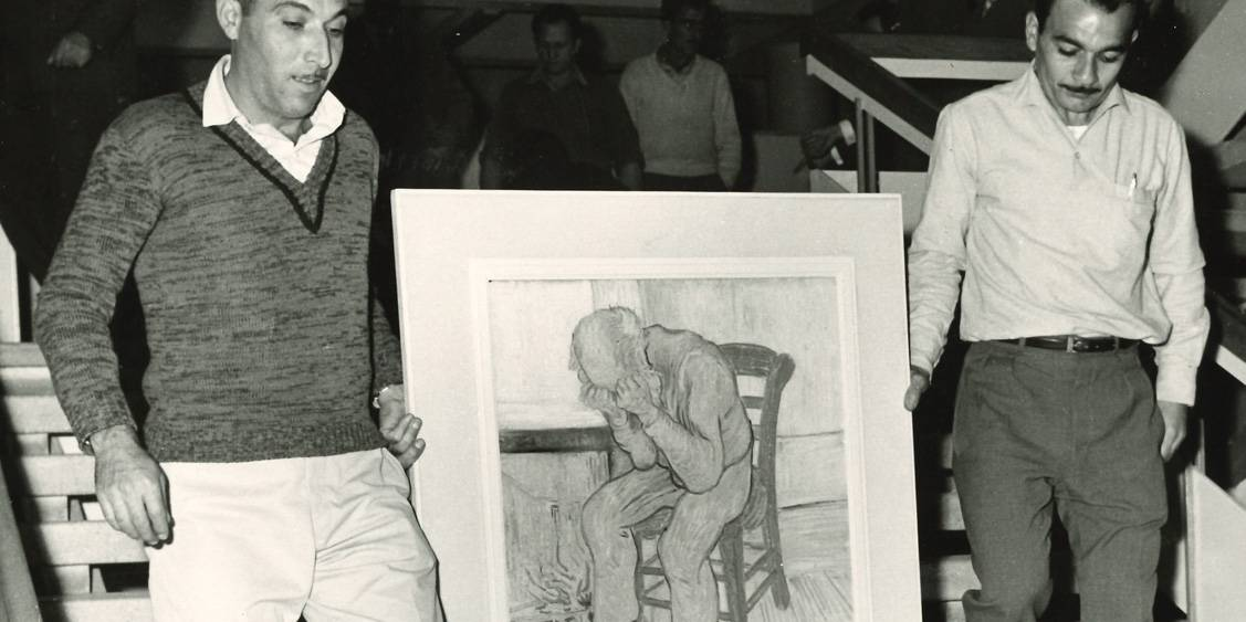 Van Gogh in Israël, Sorrowing old man ('At Eternity's Gate') carried down stairs, 1963