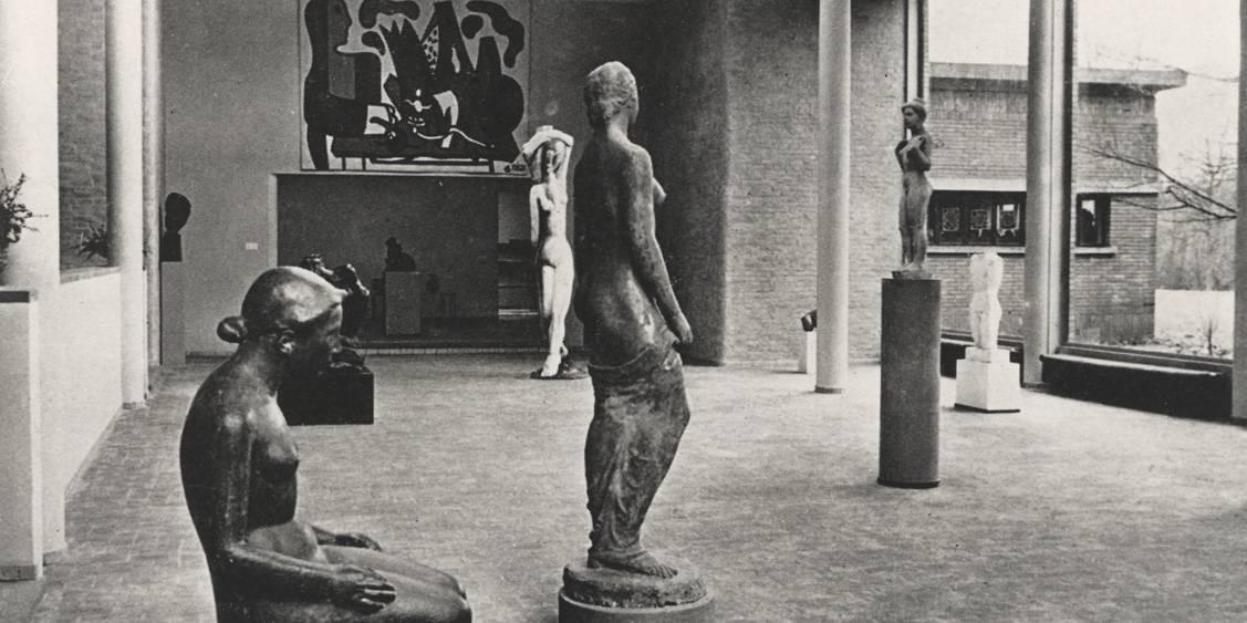 Inrichting beeldenzaal, 1953