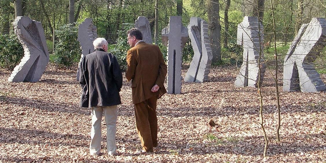Plaatsing van 'Sept' en bezoek van Eugène Dodeigne, 2005