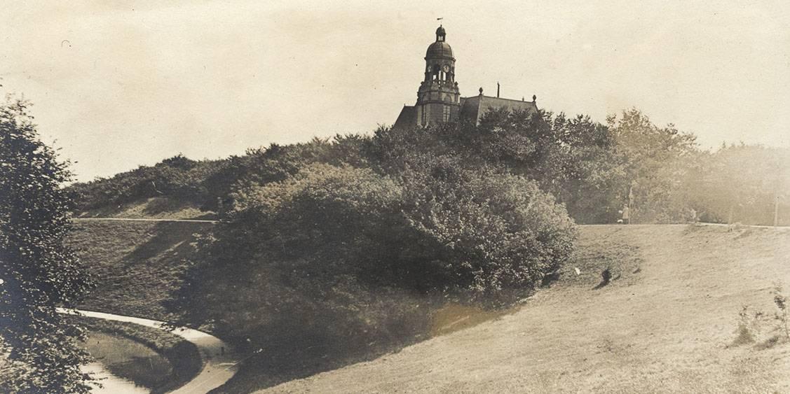 Huize ten vijver, gelegen in het Van Stolkpark, 1915