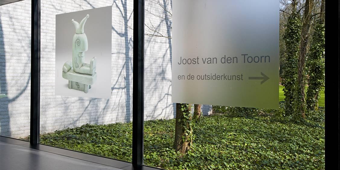 Tentoonstellingsoverzicht 'Joost van den Toorn en de outsiderkunst, 2010