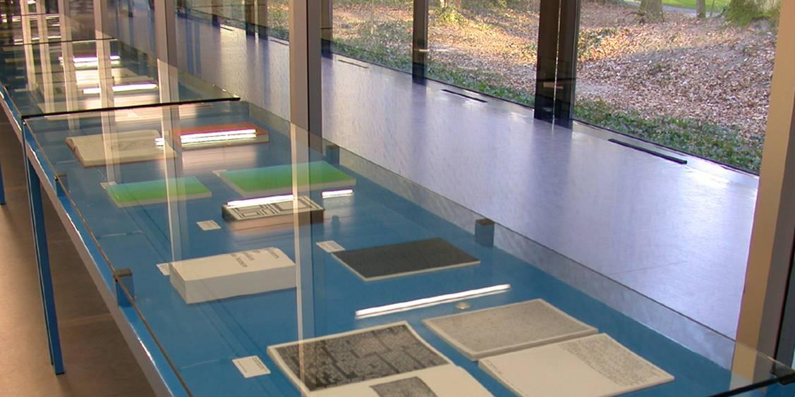 Tentoonstellingsoverzicht 'ROMA Publications', 2002