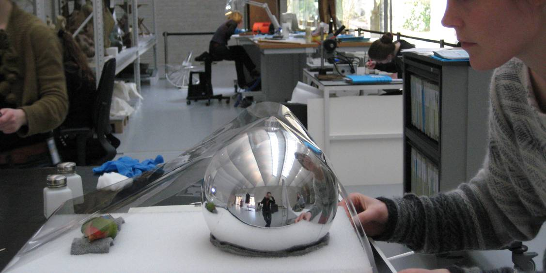 Tentoonstellingsoverzicht 'To clean or not to clean', 2009